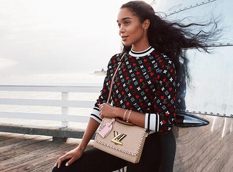 Louis Vuitton Twist yepyeni modelleriyle sahneye çıkıyor