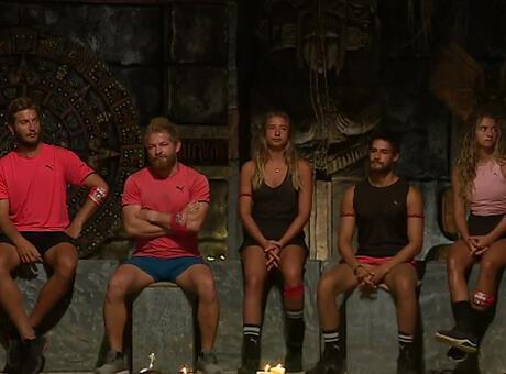 Survivor'da haftanın ilk eleme adayı kim oldu, dokunulmazlığı hangi takım kazandı? İşte haftanın eleme adayı olan isim...