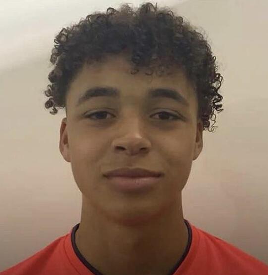 Guardioladan sol beke 15 yaşında transfer