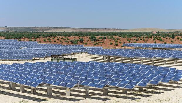 Güneş enerjisinde 1 milyar dolarlık santralin lisansı tamam