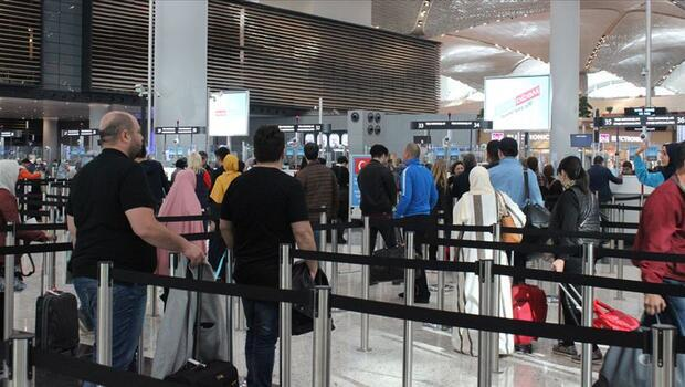 İstanbul havalimanlarından kaç kişi uçtu?