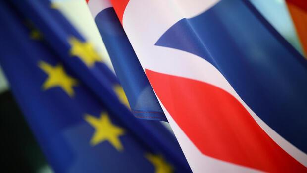 AB anlaşmasız Brexit hazırlıklarını artırıyor