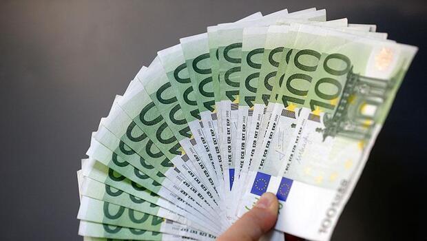 Almanya`da yeni borç öngören bütçe tasarısına onay
