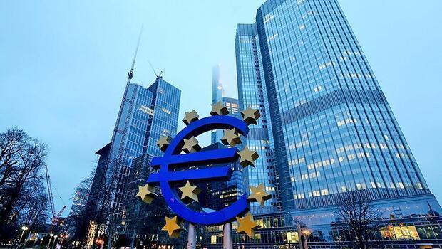 Euro Bölgesi`nde yıllık enflasyon `sıfırın altında`