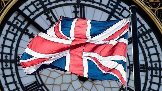 İngiltere`nin kamu borcu salgın etkisiyle artıyor