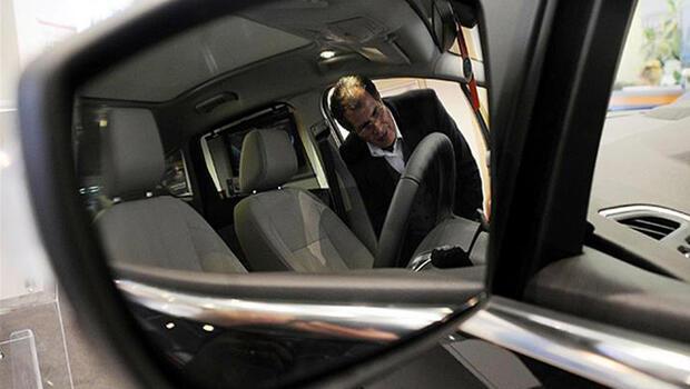AB`de otomobil satışları 2020`de sert düştü