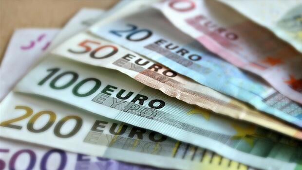 Euro Bölgesi`nde yıllık enflasyon sıfırın altında