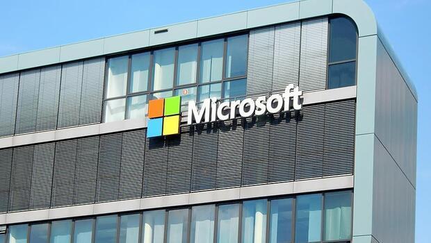 Microsoft`un net karı ve geliri arttı