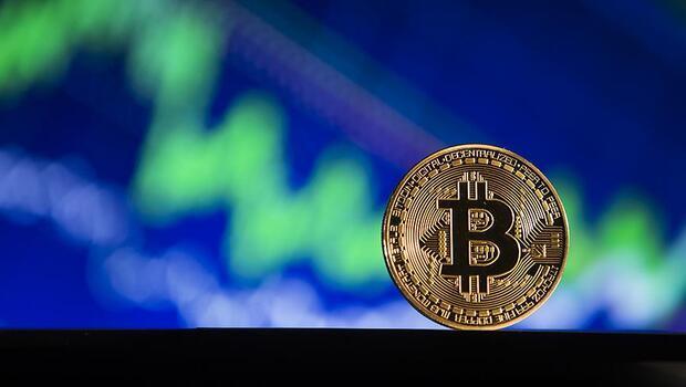 Bitcoin`in piyasa değeri 1 trilyon dolara ulaştı