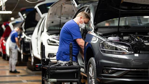 Alman otomotiv sektöründe durum şubatta iyileşti