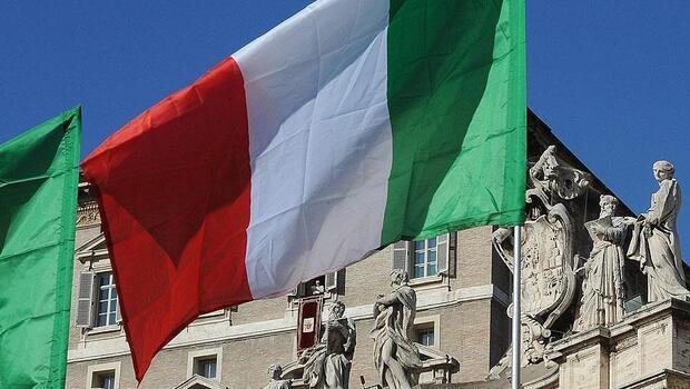 İtalya ekonomisi daraldı