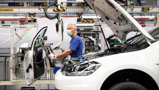 Almanya`da sanayi üretimi yükselişine son verdi