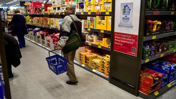 İngiliz perakende sektörü toparlanmaya çalışıyor
