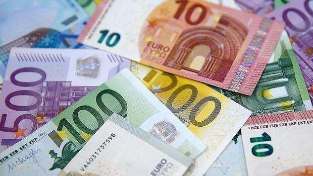 Euro Bölgesi'nin cari hesap fazlası geriledi
