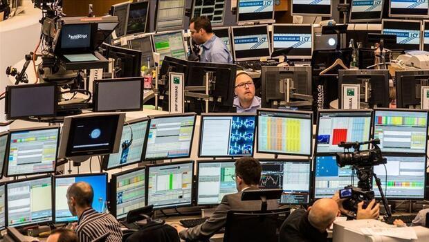 Piyasalar yeni haftaya karışık seyirle başladı