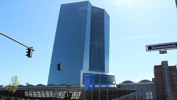 ECB`den ucu açık mesajlar bekleniyor