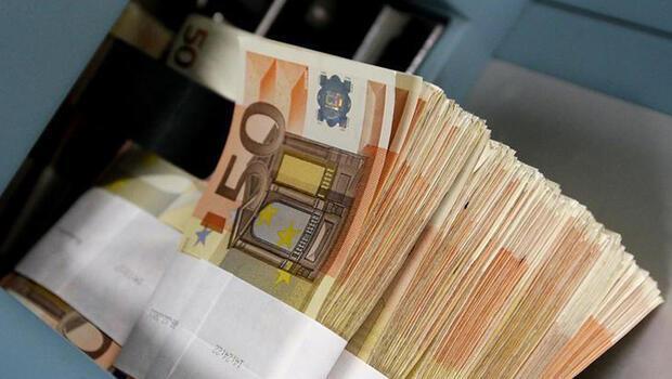 Euro Bölgesi`nde kredilerdeki büyüme yavaşladı