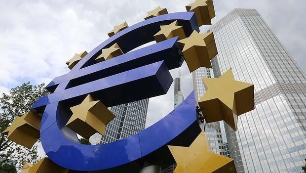 Euro Bölgesi`nde yıllık enflasyon düştü