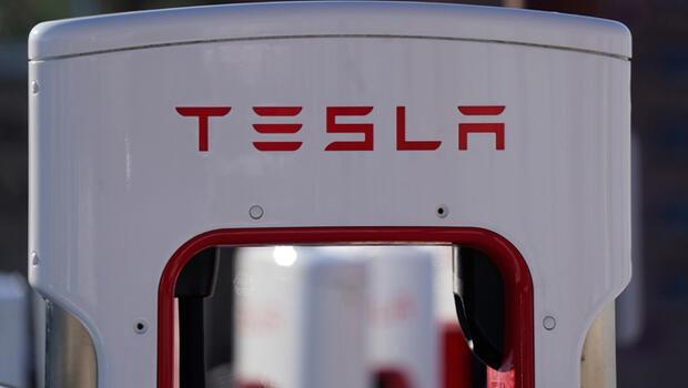 Tesla`dan 1,1 milyar dolarlık rekor kar