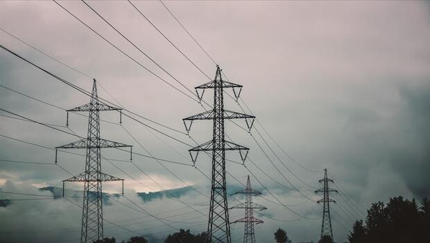 Enerji ithalatı faturası yükseldi