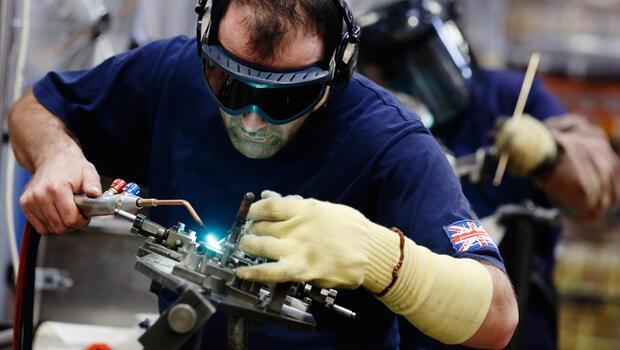 İngiltere`de imalat sanayi üretimi hız kesti