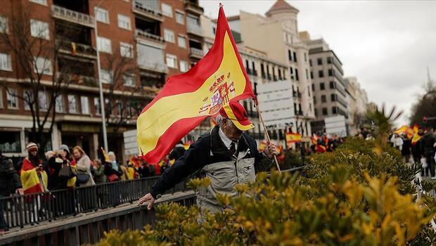 İspanya`da enflasyon 13 yılın zirvesinde