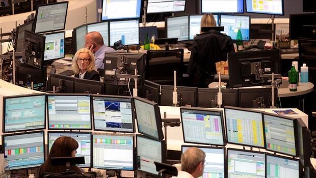 Piyasalarda gözler veri gündemine çevrildi