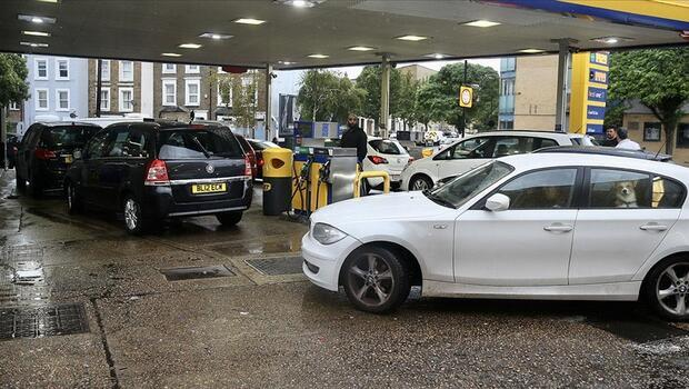 İngiltere`de benzinin fiyatı rekor kırdı