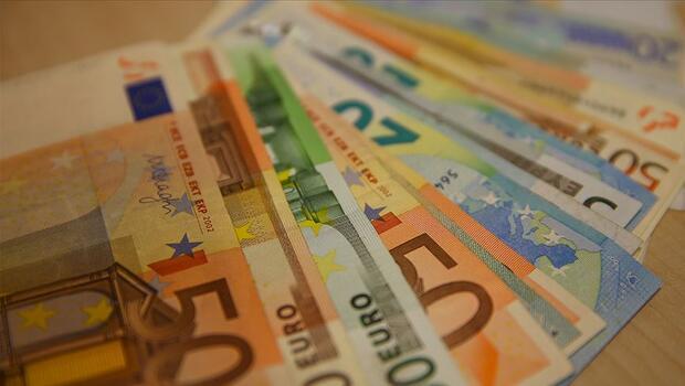 Euro Bölgesi`nde şirket kredileri ivme kazandı