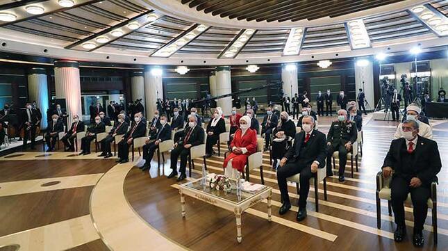 Son dakika... Cumhurbaşkanı Erdoğan tarihi konuşmayı okudu Dikkat çeken detay