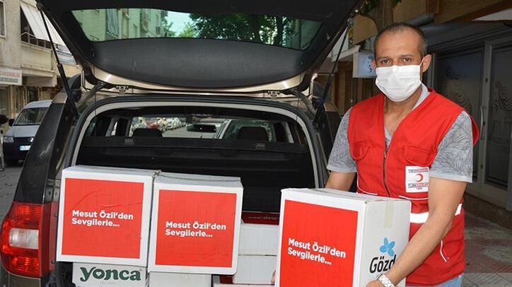 Mesut Özil'in destekleriyle 120 aileye yardım