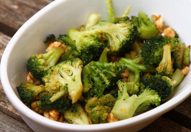 • Zeytinyağlı brokoli: