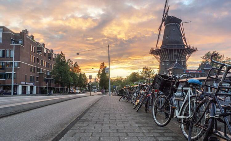 1. Amsterdam, Hollanda