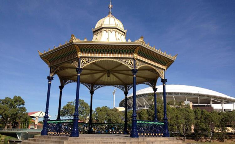 8. Adelaide, Avustralya