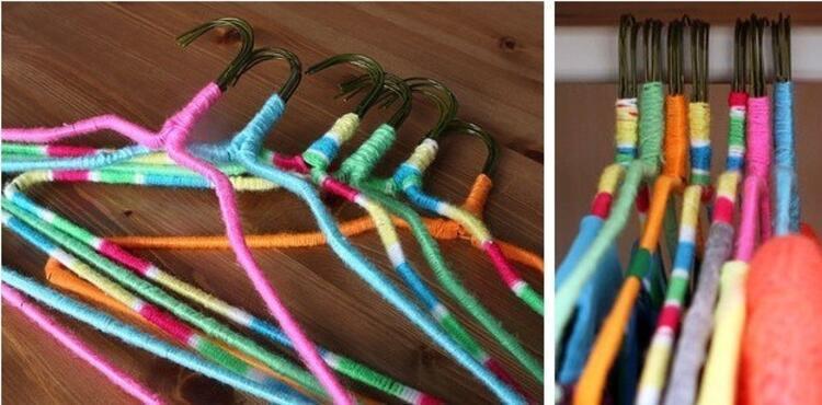 Rengarenk iplerler yapılan askılıklar