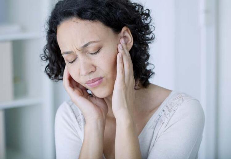 Kulak ağrısı