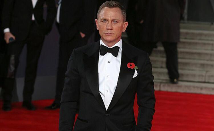 5- Daniel Craig