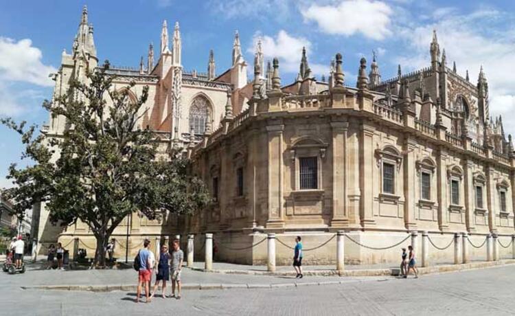 Sevilla'ya Nasıl Gidilir