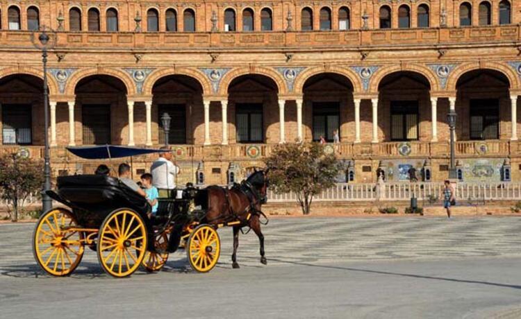 Sevilla'da Ulaşım