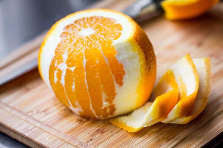 Tarçın ve portakal kabuğu
