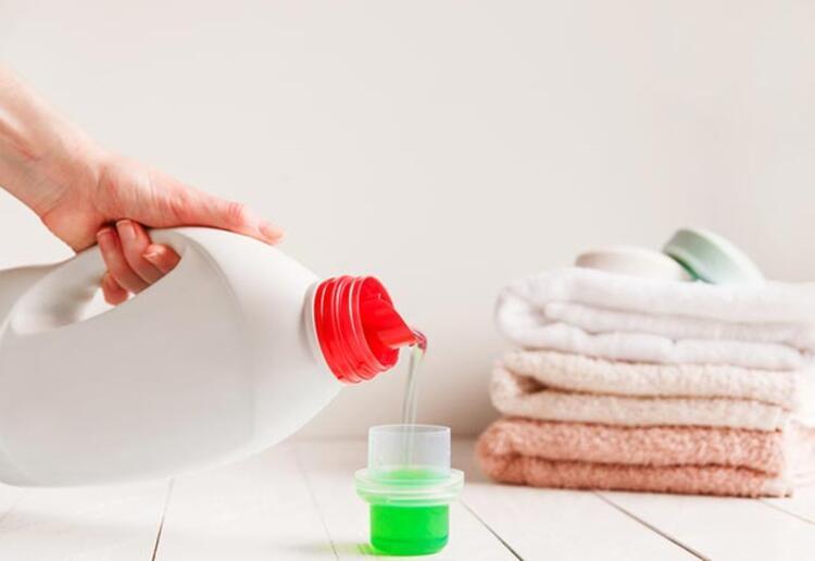 """""""Birçok temizlik malzemesi gözleri ve boğazı tahriş edebilir"""""""
