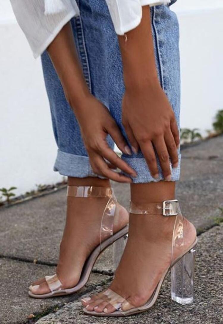 Transparan ayakkabılar