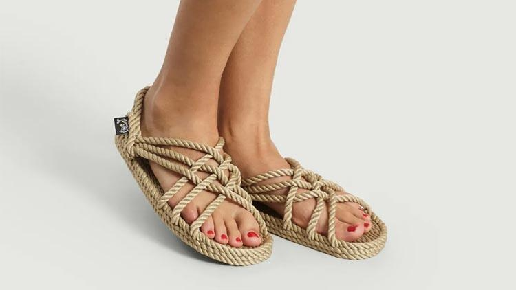 Nomadic sandaletler