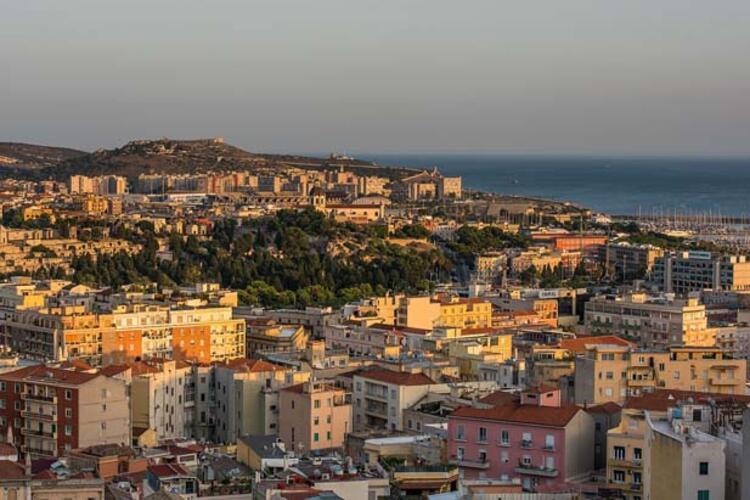 Sardinya, İtalya