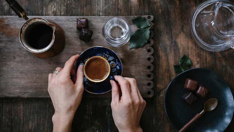 Taze çekilmiş kahve kullanın