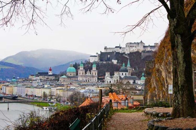 Sazlburg, Avusturya