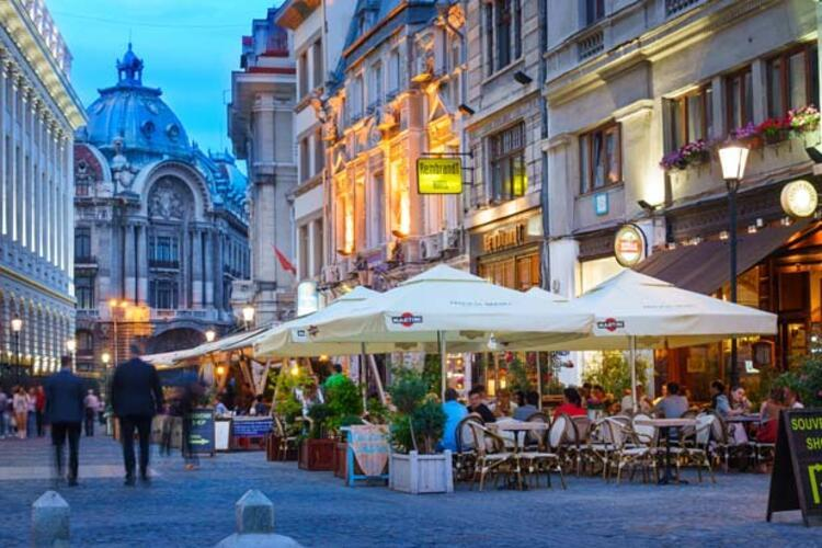 5da068b0adcdeb208080bf42 - Balkanların Paris'i Bükreş