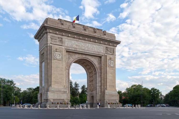 5da068b0adcdeb208080bf50 - Balkanların Paris'i Bükreş