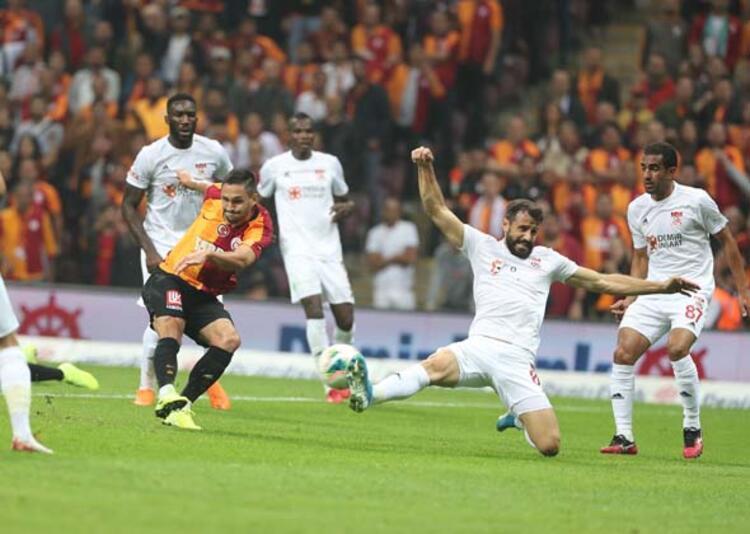 Aslan hâlâ karma takım - Mehmet Demirkol (Fanatik)