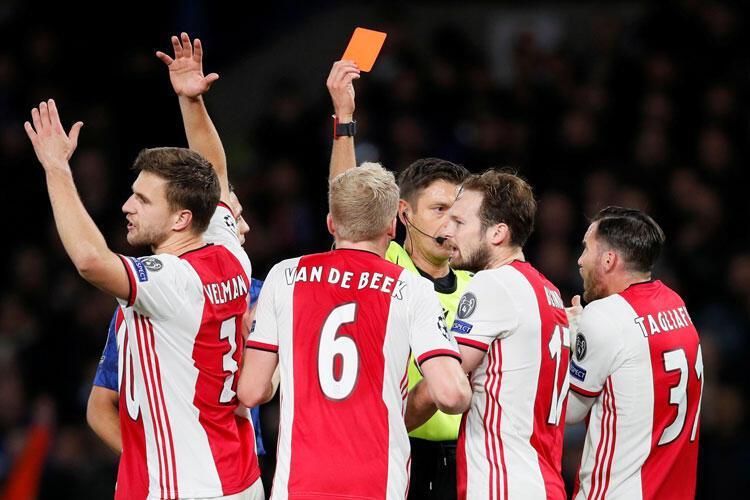 Kırmızı kartlar ve Chelseanin muhteşem geri dönüşü...